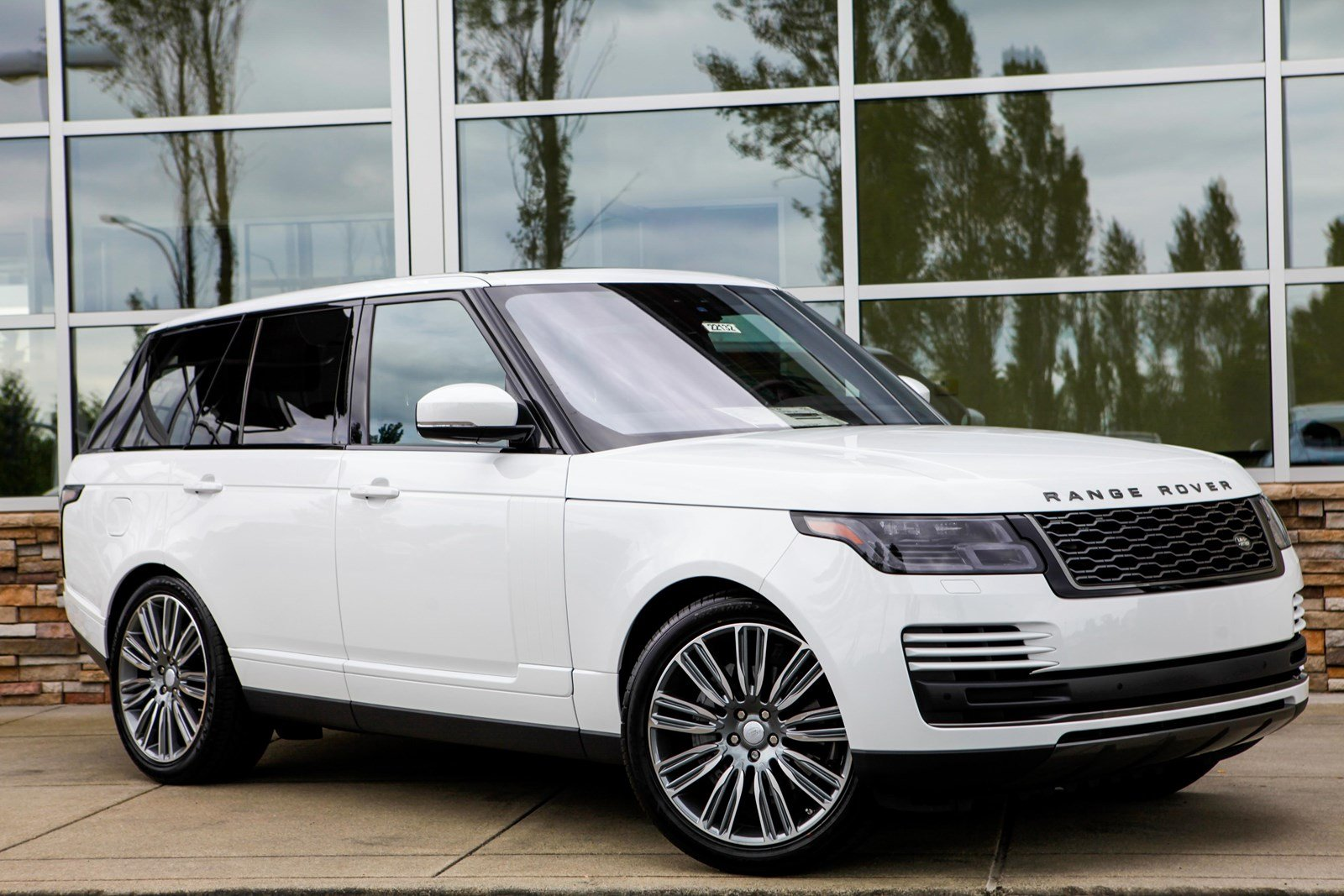 Range Rover HSE Giao Ngay Phiên Bản Tiêu Chuẩn Tại Việt Nam sản xuất 2018, Đời Mới model 2019 có gì khác, range rover màu nào đẹp nhất