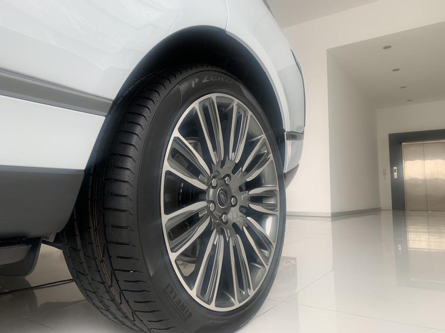 Chi Tiết Mẫu Xe Ôto Range Rover Trục Cơ Sở Dài LWB Phiên Bản Autobiography Model 2020 Màu Trắng