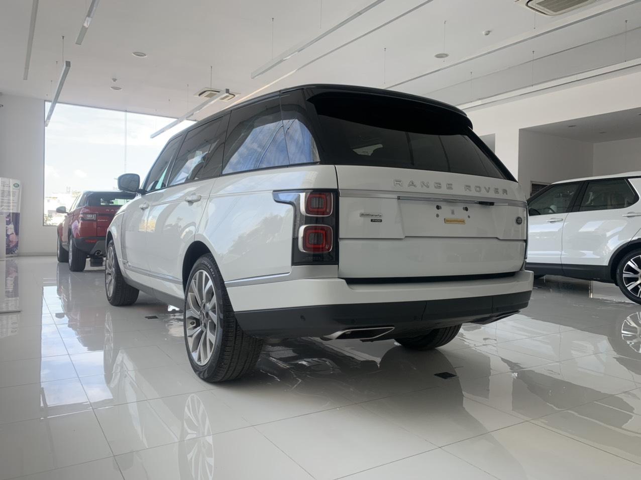 Xe 5 Chỗ SUV Range Rover Thùng To Bản Dài LWB 2020 Autobiography P400 Màu Trắng Giá Bán 11,560 triệu đồng, Phiên Bản Cao Cấp này có 4 ghế massage đá nòng, HUD, Phanh Khoảng cách tự động, hộc lạnh, nhập khẩu nguyên chiếc chính hãng,