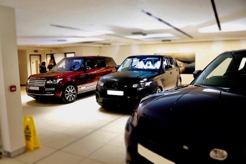Địa Chỉ Bảo Dưỡng Sửa Chữa Ô tô Xe Jaguar Range Rover Quận 7 Phú Mỹ Hưng Số 172 Hoàng Quốc Việt Của Phú Thái Đặt Lịch Hẹn Qua Số Hotline Chính Hãng, Phụ Tùng Oto LandRover 4, 5, 7 Chỗ rẻ hay mắc