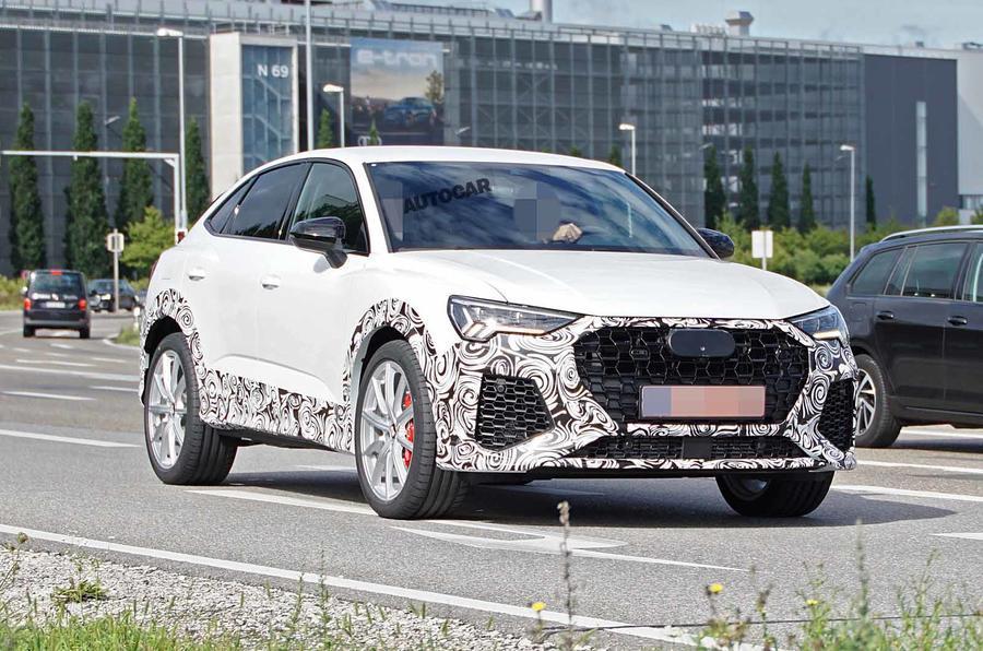 Đây là mẫu 5 chỗ của Audi Q3 phiên bản RS SPort ra mắt tại triễn lãm oto năm nay.