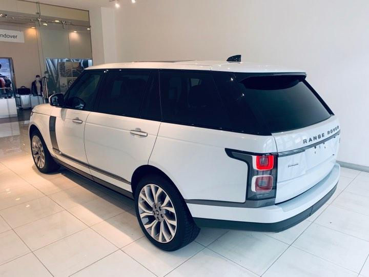 Xe range rover cũ phiên bản autobiography lwb màu trắng lướt 2019 bán lại giá tốt